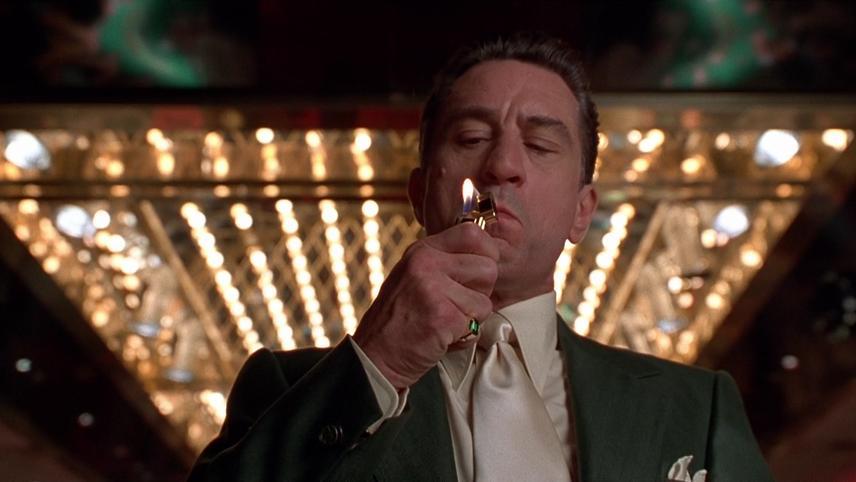 De Niro fume sa cigarette dans le film Casino